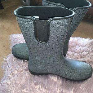 Women rain boots.